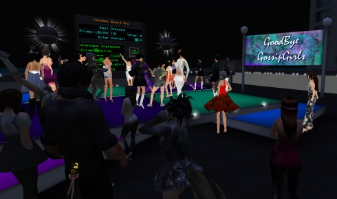 Gossip Girls celebrate their last night in the sim at an over-capacity goodbye party